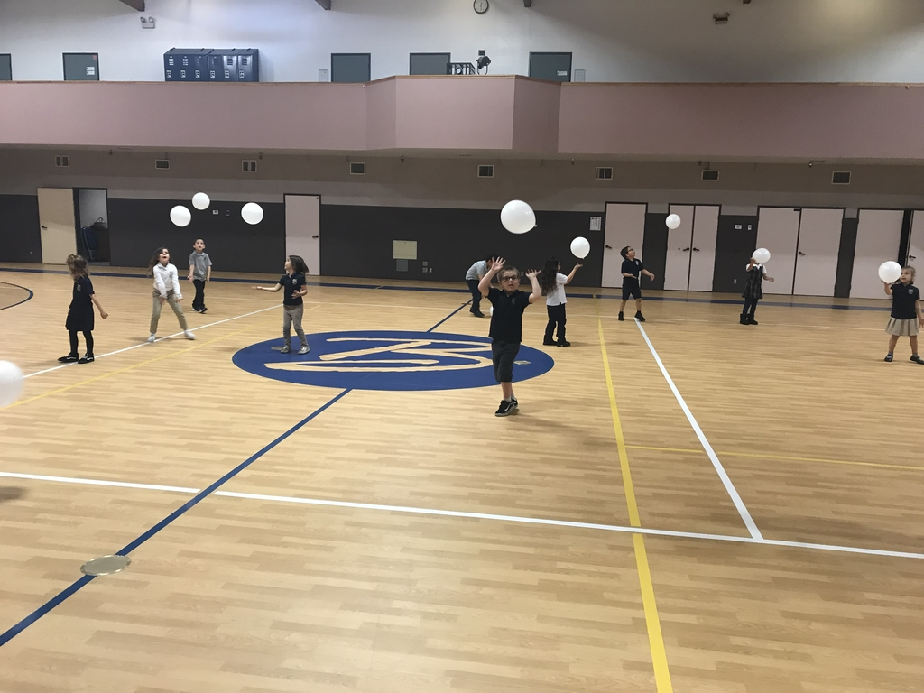 Kindergarten worked on coordination skills in PE using balloons! #bethanylions #kindergartenpe #physicaleducation #coordination